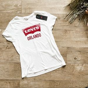 "Levi's ""Orlando"" Graphic T-Shirt size M"
